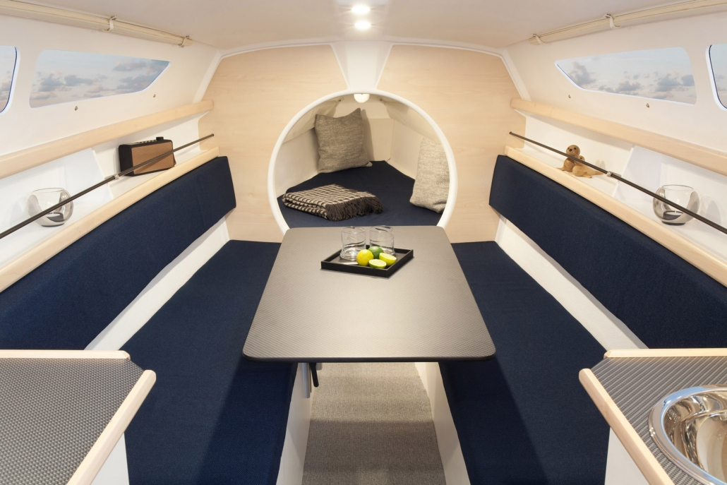 Dragonfly 25 trimaran main cabin