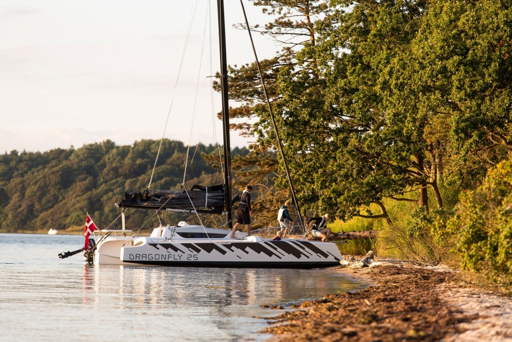 Dragonfly 25 trimaran is the perfect boat for exploring the coastline