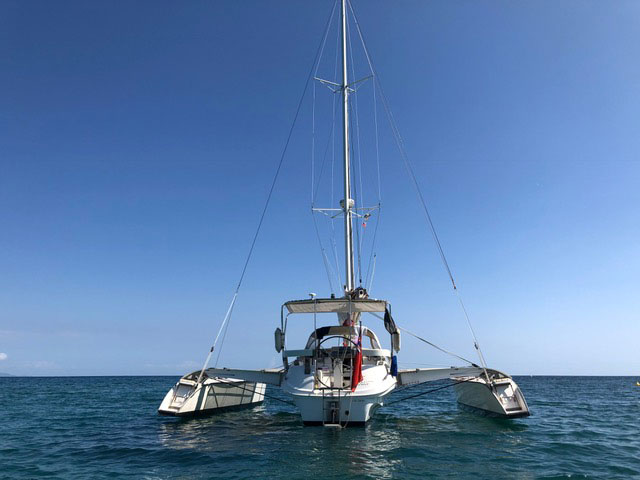 Dragonfly 35 Touring trimaran for sale - stern view