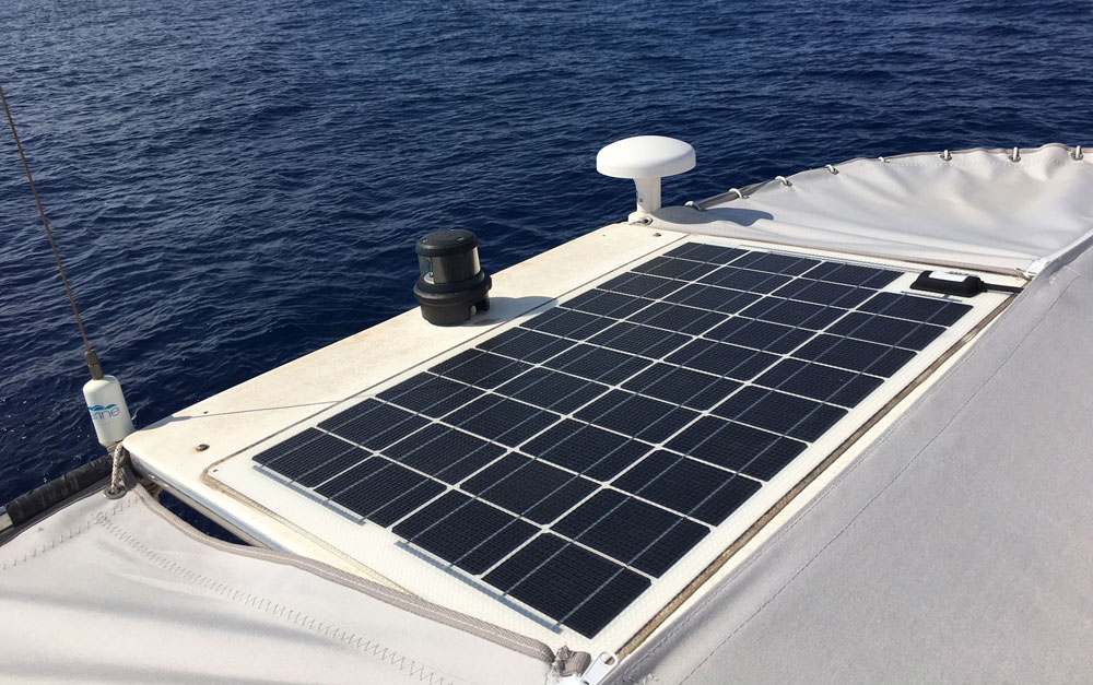 Dragonfly 35 Touring trimaran for sale - solar panel