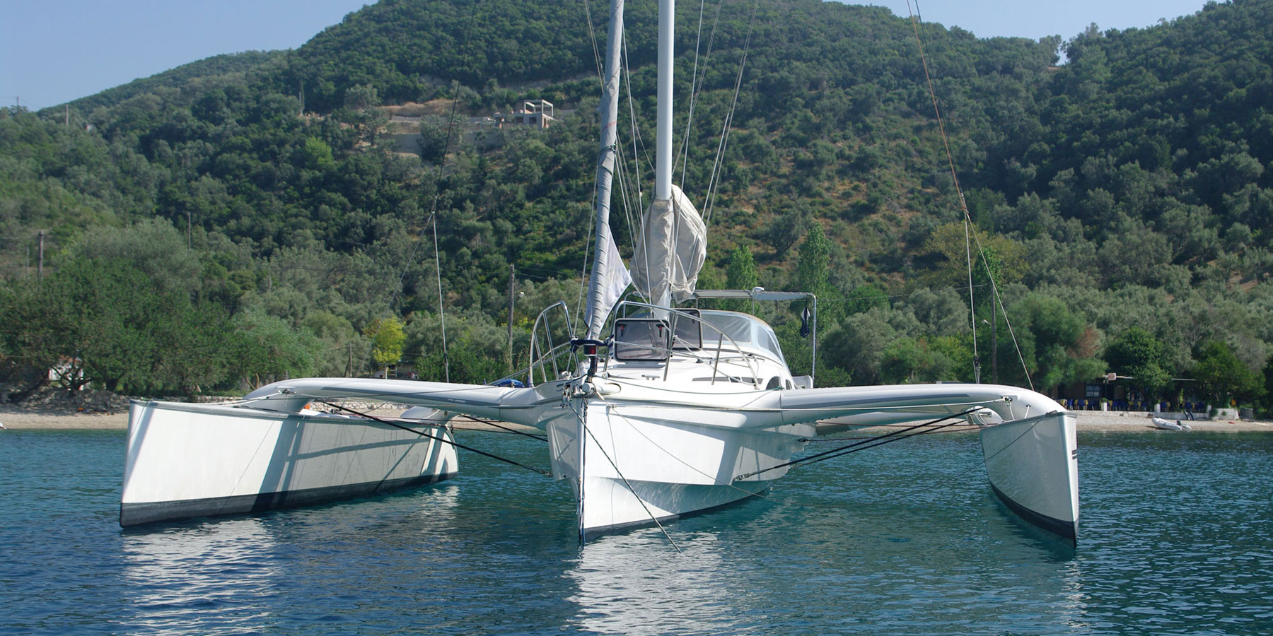 Dragonfly 35 Touring trimaran for sale