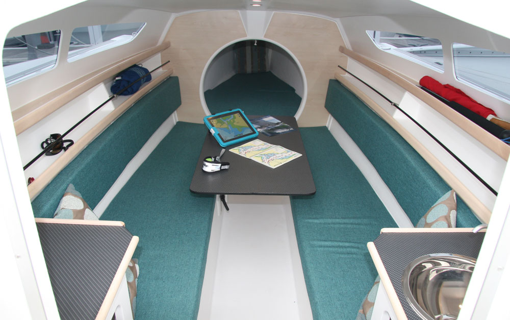 Dragonfly 25 centre cabin