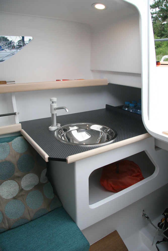 Dragonfly 25 galley, starboard side