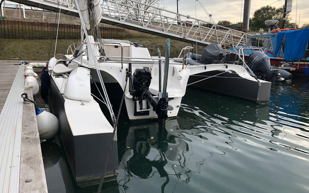 Dragonfly 25 Sport transoms