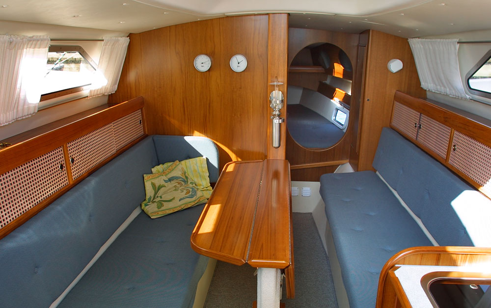 Dragonfly 920 main cabin